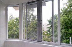 Москитные сетки для балконов и лоджий. Популярные виды и их преимущества